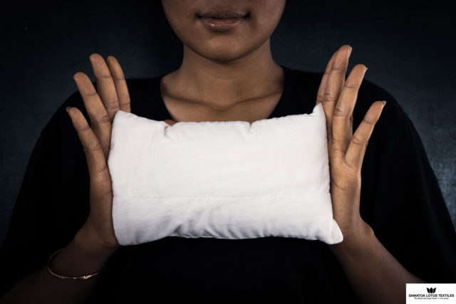 Antibacterial Textile Travel Cushion